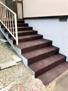 札幌市清田区S様邸 階段セーフティマット(ゴムチップマット)工事-2
