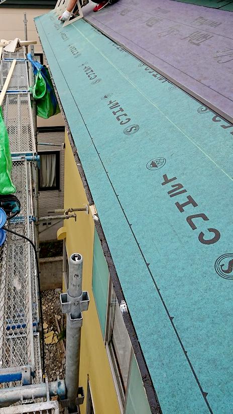 札幌市東区S様邸温水アラスカ工事 ①軒先板金撤去・防水シート・ルーフィング敷設