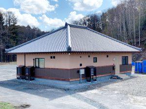 2021年4月 エアコン等室外機カバーヴェルアート(ブラウン) 設置事例 北広島市 某邸-3