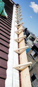 2021年5月施工 旭川市K様邸 造作雪庇ストッパー工事および煙突部分補修-4