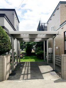 2021年7月施工 札幌市東区 K様邸 カーポート設置工事(LIXILカーポート採光タイプ)-設置後1