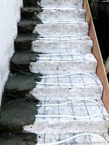 2021年7月 札幌市南区 N様邸 灯油式温水ロードヒーティング改修工事(階段・路盤・歩道)-施工中5