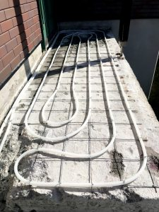 2021年7月 札幌市南区 N様邸 灯油式温水ロードヒーティング改修工事(階段・路盤・歩道)-施工中2