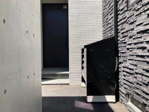 2021年7月設置 札幌市豊平区 I様邸 室外機カバーヴェルアート設置例-3