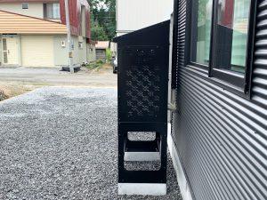 2021年7月設置 岩見沢市 O様邸 室外機カバー「ヴェルアート」-設置例7