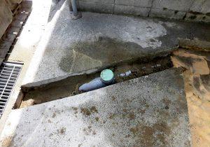 2021年9月施工 青森市 K様邸 埋設型融雪槽 快冬くんⅡ設置工事(灯油式)-4.排水管 接続